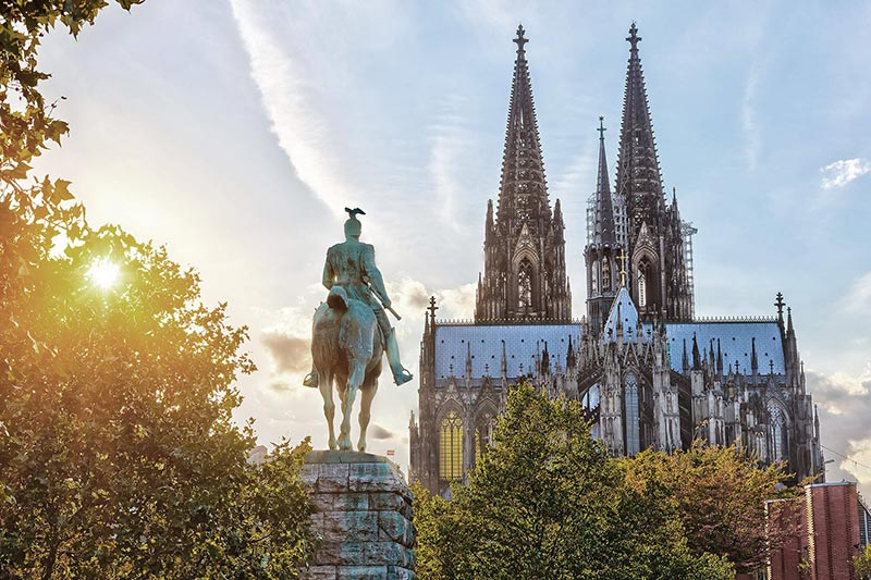 Legendary Rhine - Rhine Statue
