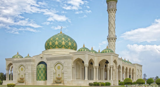 P and O Exclusive Dubai to Limassol - Oman Mosque
