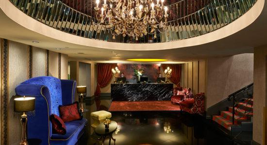 Scarlet Hotel lobby