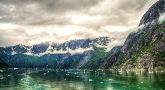Windstar Alaskan Splendors - Tracy Arm Fjord